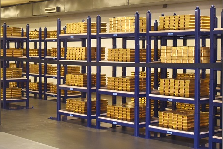"El Banco Nacional Holandés dice que el oro puede reiniciar la economía en caso de colapso total"" width = ""460"" height = ""307"" srcset = ""https: //news.bitcoin.com/wp-content/uploads/2019/10/dnb-gold.jpg 460w, https://news.bitcoin.com/wp-content/uploads/2019/10/dnb-gold-300x200 .jpg 300w, https://news.bitcoin.com/wp-content/uploads/2019/10/dnb-gold-190x128.jpg 190w ""tamaños ="" (ancho máximo: 460px) 100vw, 460px"