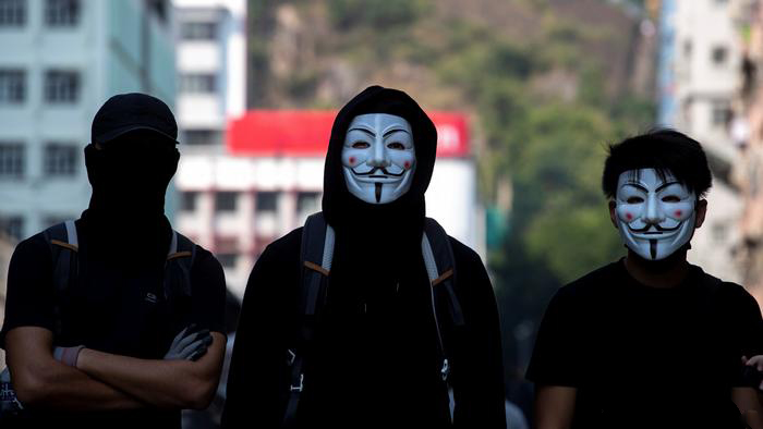 "Los manifestantes manejan herramientas de libertad cuando Hong Kong impone la dictadura ""width ="" 700 ""height ="" 394 ""srcset ="" https: // news .bitcoin.com / wp-content / uploads / 2019/10 / fawkskskks.jpg 700w, https://news.bitcoin.com/wp-content/uploads/2019/10/fawkskskks-300x169.jpg 300w, https: / /news.bitcoin.com/wp-content/uploads/2019/10/fawkskskks-696x392.jpg 696w ""tamaños ="" (ancho máximo: 700px) 100vw, 700px"