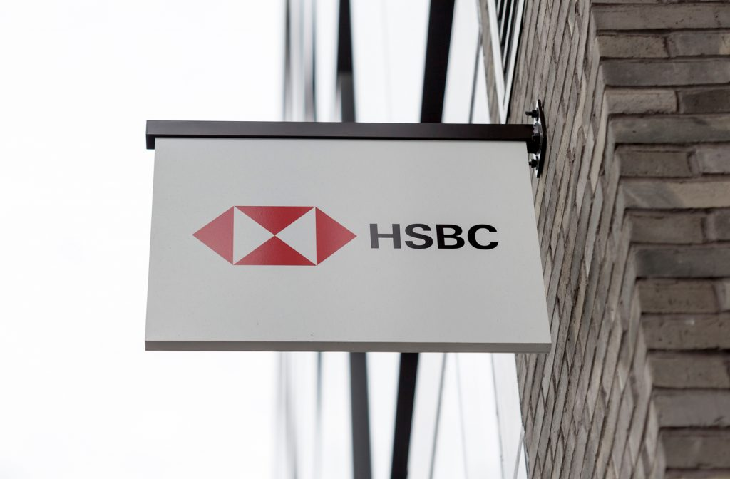 "Banca Giant HSBC listo para despedir a 10,000 empleados más ""width ="" 696 ""height ="" 457 ""srcset ="" https://blackswanfinances.com/wp-content/uploads/2019/10/hsbc-sign-1024x672.jpg 1024w, https://news.bitcoin.com/wp-content/uploads/ 2019/10 / hsbc-sign-300x197.jpg 300w, https://news.bitcoin.com/wp-content/uploads/2019/10/hsbc-sign-768x504.jpg 768w, https: //news.bitcoin. com / wp-content / uploads / 2019/10 / hsbc-sign-696x457.jpg 696w, https://news.bitcoin.com/wp-content/uploads/2019/10/hsbc-sign-1392x913.jpg 1392w, https://news.bitcoin.com/wp-content/uploads/2019/10/hsbc-sign-1068x701.jpg 1068w, https://news.bitcoin.com/wp-content/uploads/2019/10/hsbc -sign-640x420.jpg 640w, https://news.bitcoin.com/wp-content/uploads/2019/10/hsbc-sign-1520x1000.jpg 1520w, https://news.bitcoin.com/wp-content /uploads/2019/10/hsbc-sign.jpg 1524w ""tamaños ="" (ancho máximo : 696px) 100vw, 696px"