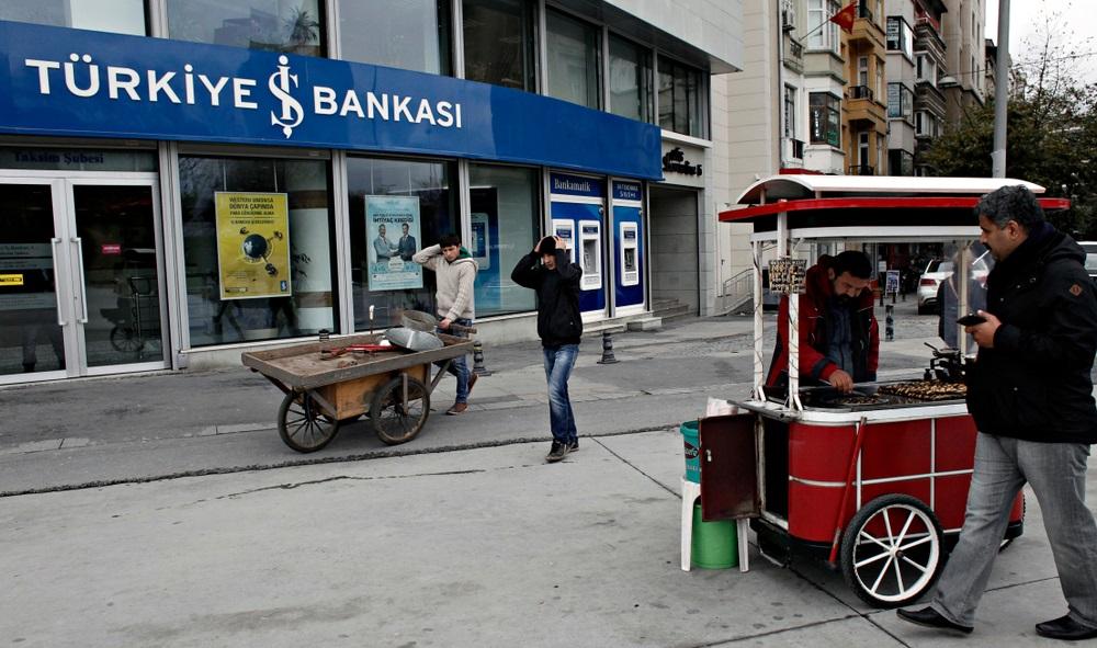 """El gobierno turco congela más de 3 millones de cuentas bancarias """"ancho ="""" 1000 """"altura = """"591"""" srcset = """"http://blackswanfinances.com/wp-content/uploads/2019/10/shutterstock_1127513345.jpg 1000w, https://news.bitcoin.com/wp-content/uploads/2019/ 10 / shutterstock_1127513345-300x177.jpg 300w, https://news.bitcoin.com/wp-content/uploads/2019/10/shutterstock_1127513345-768x454.jpg 768w, https://news.bitcoin.com/wp-content/ uploads / 2019/10 / shutterstock_1127513345-696x411.jpg 696w, https://news.bitcoin.com/wp-content/uploads/2019/10/shutterstock_1127513345-711x420.jpg 711w """"tamaños ="""" (ancho máximo: 1000px) 100vw, 1000px"""