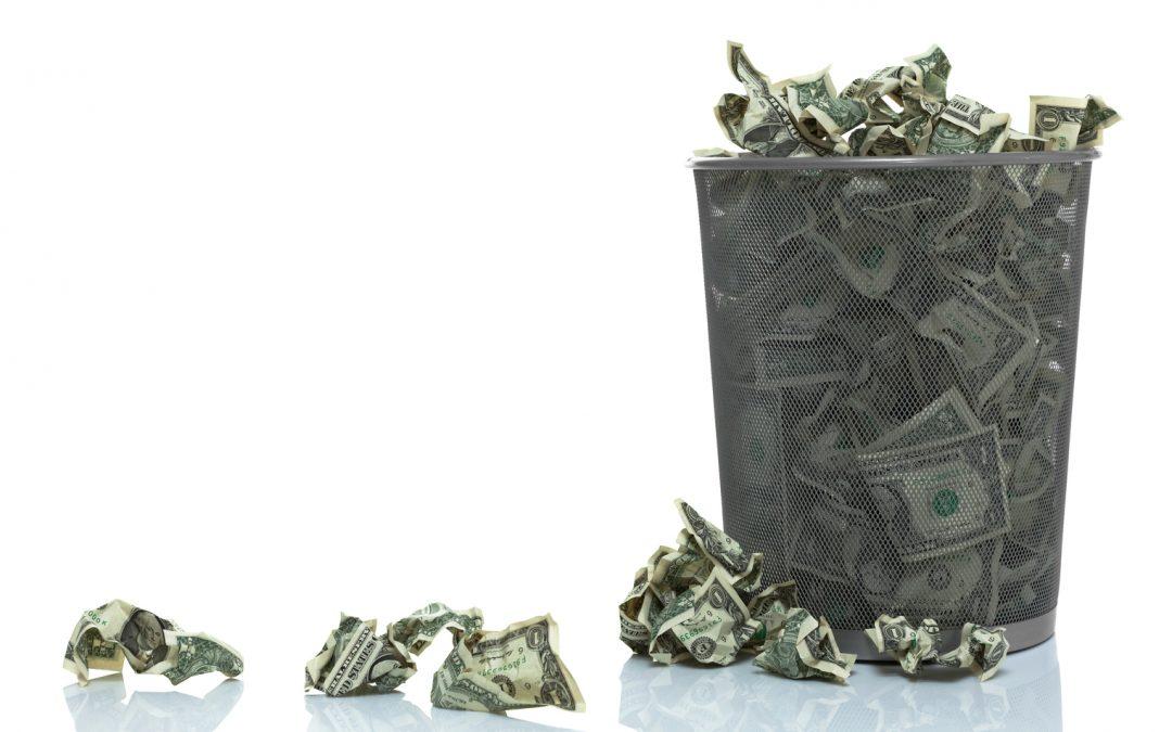 3 signos importantes que preceden a la caída de las monedas de reserva mundial
