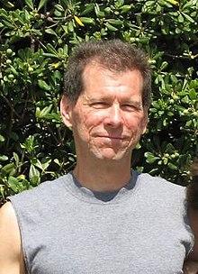 "10 personas que podrían ser Satoshi Nakamoto"" width = ""220"" height = ""304"" srcset = ""https: //news.bitcoin.com/wp-content/uploads/2018/08/220px-Hal_Finney_computer_scientist.jpg 220w, https://news.bitcoin.com/wp-content/uploads/2018/08/220px-Hal_Finney_computer_scientist-217x300 .jpg 217w ""tamaños ="" (ancho máximo: 220 px) 100vw, 220 px"