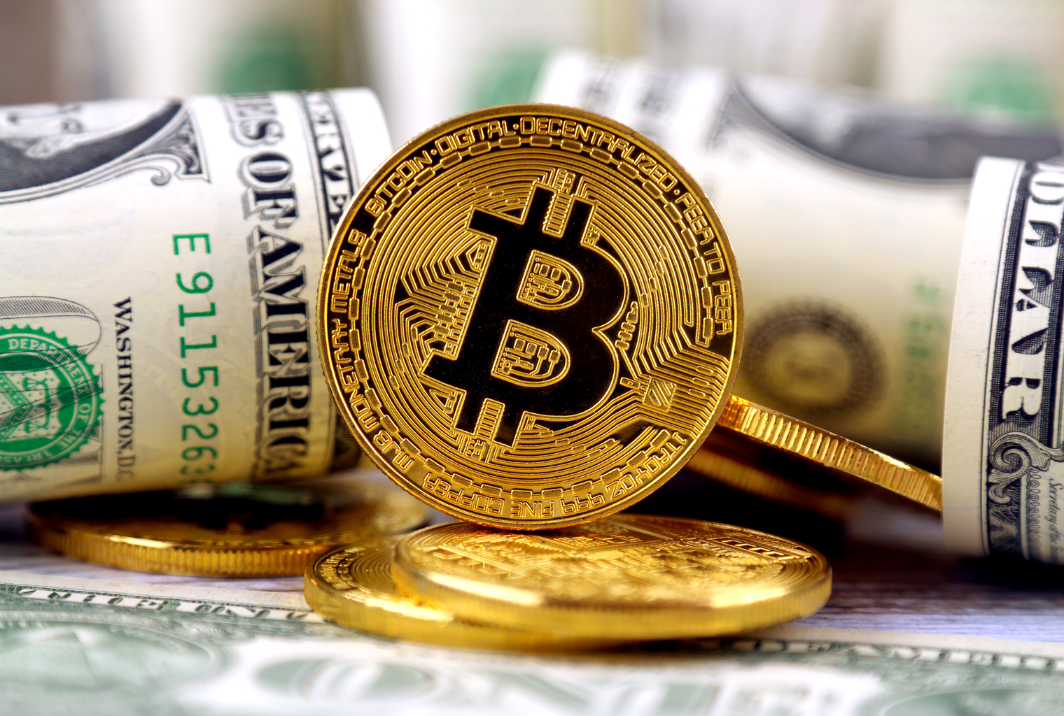 Historia de Bitcoin Parte 20: BTC alcanza $ 1
