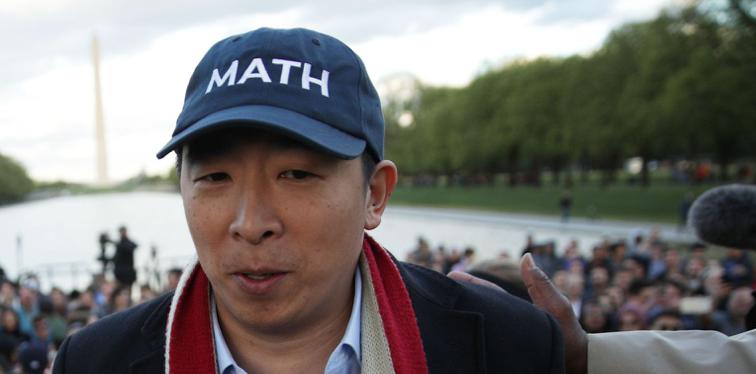 "'Freedom Dividend' de Andrew Yang no solo es innecesario, es poco ético ""width ="" 756 ""height ="" 374 ""srcset ="" https://news.bitcoin.com/wp-content/uploads/2019/ 11 / screen-shot-2019-11-02-at-8-42-23.png 756w, https://news.bitcoin.com/wp-content/uploads/2019/11/screen-shot-2019-11 -02-at-8-42-23-300x148.png 300w, https://news.bitcoin.com/wp-content/uploads/2019/11/screen-shot-2019-11-02-at-8- 42-23-324x160.png 324w, https://news.bitcoin.com/wp-content/uploads/2019/11/screen-shot-2019-11-02-at-8-42-23-648x320.png 648w, https://news.bitcoin.com/wp-content/uploads/2019/11/screen-shot-2019-11-02-at-8-42-23-696x344.png 696w ""tamaños ="" (máx. -ancho: 756px) 100vw, 756px"