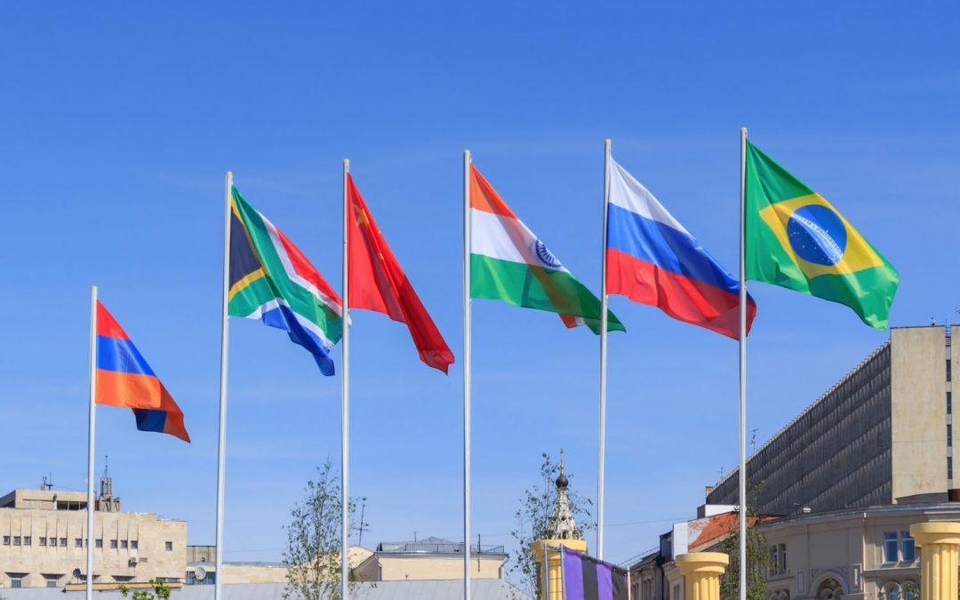 Los países miembros de los BRICS proponen crear una criptomoneda para liquidar pagos
