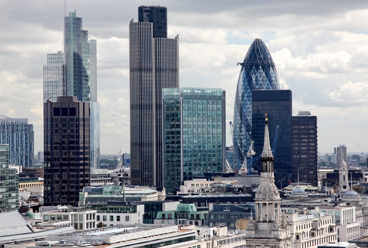 Los préstamos malos en los grandes bancos británicos saltan más del 50% en un año