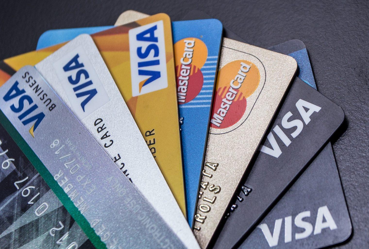 Gaste 10 criptomonedas con estas tarjetas de débito