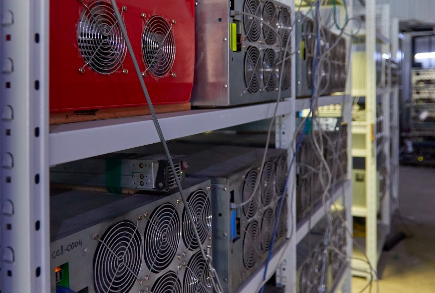China elimina la minería de Bitcoin de la lista de industrias no deseadas