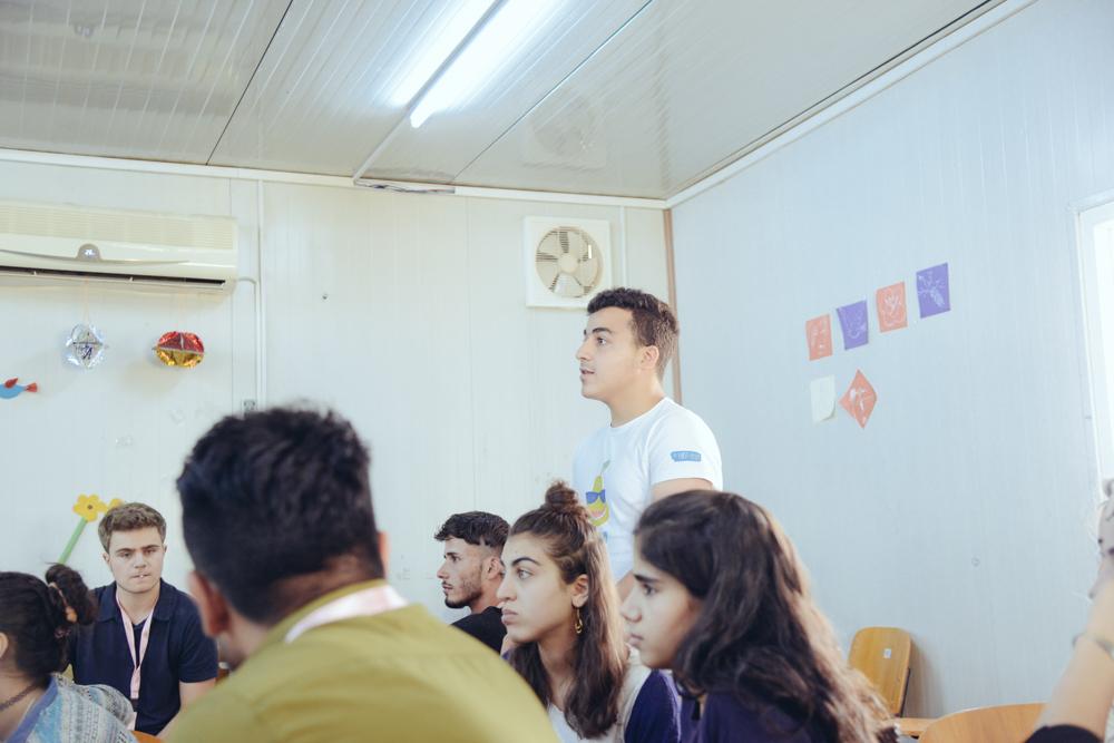 En un campo de refugiados en Irak, un sirio de 16 años está enseñando conceptos básicos de criptografía