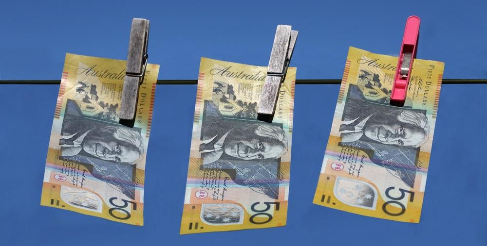 """Australia investiga a Big Four Bank acusado de 23 millones de infracciones de lavado de dinero """"width ="""" 1000 """"height ="""" 507 """"srcset = """"https://blackswanfinances.com/wp-content/uploads/2019/12/shutterstock_61311949.jpg 1000w, https://news.bitcoin.com/wp-content/uploads/2019/12/shutterstock_61311949-300x152 .jpg 300w, https://news.bitcoin.com/wp-content/uploads/2019/12/shutterstock_61311949-768x389.jpg 768w, https://news.bitcoin.com/wp-content/uploads/2019/12 /shutterstock_61311949-696x353.jpg 696w, https://news.bitcoin.com/wp-content/uploads/2019/12/shutterstock_61311949-828x420.jpg 828w """"tamaños ="""" (ancho máximo: 1000px) 100vw, 1000px [19659007] APRA destacó sus intenciones de enfocarse en la conducta que condujo a los asuntos alegados por Austrac. La investigación tiene que establecer si Westpac, sus directores y el personal de alta gerencia violaron la Ley de Banca de Australia y el Régimen de Responsabilidad Ejecutiva de la Banca, contraviniendo los estándares prudenciales mantenidos por el regulador. La agencia también examinará las """"acciones del banco para rectificar y remediar los problemas después de que fueron identificados"""". El comunicado de prensa publicado enfatiza: </p></noscript> <blockquote class="""