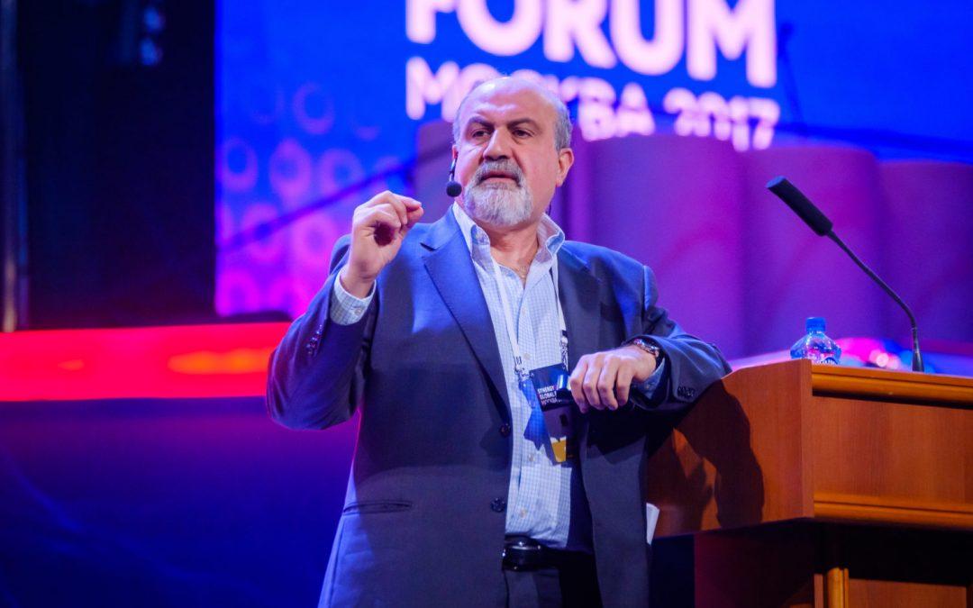 Bitcoin está 'ganando'; la moneda sin gobierno es 'genial', dice Nassim Taleb