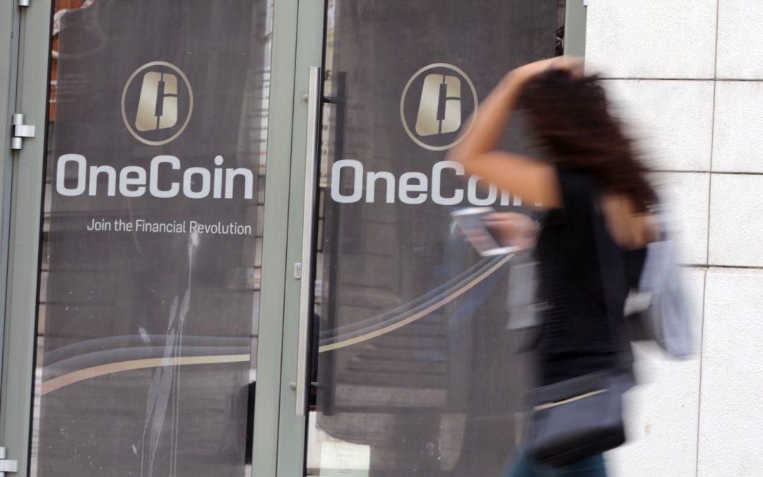 Crypto Ponzi OneCoin puede haber utilizado una avalancha de críticas falsas para aumentar la imagen enferma