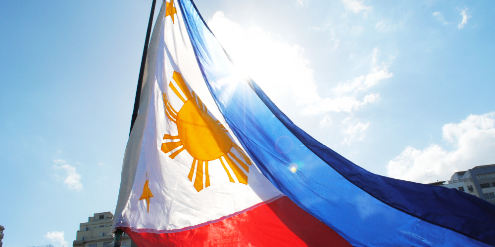 "Japón y Filipinas discuten leyes pro-criptográficas, cooperación entre países asiáticos ""width ="" 1000 ""height ="" 500 ""srcset ="" https://news.bitcoin.com /wp-content/uploads/2019/01/philippines-flag.jpg 1000w, https://news.bitcoin.com/wp-content/uploads/2019/01/philippines-flag-300x150.jpg 300w, https: / /news.bitcoin.com/wp-content/uploads/2019/01/philippines-flag-768x384.jpg 768w, https://news.bitcoin.com/wp-content/uploads/2019/01/philippines-flag- 696x348.jpg 696w, https://news.bitcoin.com/wp-content/uploads/2019/01/philippines-flag-840x420.jpg 840w ""tamaños ="" (ancho máximo: 1000px) 100vw, 1000px"