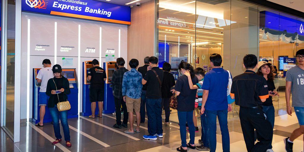 """Jerarquías de dinero: por qué utiliza el dinero bancario, pero el El banco quiere la moneda de reserva """"width ="""" 696 """"height ="""" 348 """"srcset ="""" https://blackswanfinances.com/wp-content/uploads/2020/01/shutterstock_730927573-1024x512.jpg 1024w, https: // news .bitcoin.com / wp-content / uploads / 2020/01 / shutterstock_730927573-300x150.jpg 300w, https://news.bitcoin.com/wp-content/uploads/2020/01/shutterstock_730927573-768x384.jpg 768w, https : //news.bitcoin.com/wp-content/uploads/2020/01/shutterstock_730927573-1536x768.jpg 1536w, https://news.bitcoin.com/wp-content/uploads/2020/01/shutterstock_730927573-696x348. jpg 696w, https://news.bitcoin.com/wp-content/uploads/2020/01/shutterstock_730927573-1392x696.jpg 1392w, https://news.bitcoin.com/wp-content/uploads/2020/01/ shutterstock_730927573-1068x534.jpg 1068w, https://news.bitcoin.com /wp-content/uploads/2020/01/shutterstock_730927573-840x420.jpg 840w, https://news.bitcoin.com/wp-content/uploads/2020/01/shutterstock_730927573.jpg 1600w """"tamaños ="""" (ancho máximo : 696px) 100vw, 696px"""