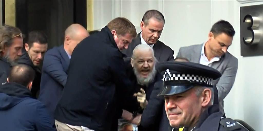 """Wikileaks reúne $ 37M en BTC desde 2010 - Más de $ 400K enviados después del arresto de Julian Assange """"width ="""" 1024 """"height ="""" 512 """"srcset = """"https://blackswanfinances.com/wp-content/uploads/2020/02/190411-julian-assange-al-0731_1565418d5c60eb5c7d56bfcce816d0d2-nbcnews-fp-1024-512.jpg 1024w, https: //news.bitcoin .com / wp-content / uploads / 2020/02/190411-julian-assange-al-0731_1565418d5c60eb5c7d56bfcce816d0d2-nbcnews-fp-1024-512-300x150.jpg 300w, https://news.bitcoin.com/wp-content/ uploads / 2020/02/190411-julian-assange-al-0731_1565418d5c60eb5c7d56bfcce816d0d2-nbcnews-fp-1024-512-768x384.jpg 768w, https://news.bitcoin.com/wp-content/uploads/2020/02/1904 -julian-assange-al-0731_1565418d5c60eb5c7d56bfcce816d0d2-nbcnews-fp-1024-512-696x348.jpg 696w, https://news.bitcoin.com/wp-content/uploads/2020/02/190411-julian-assange- 0731_1565418d5c60eb5c7d56bfcce816d0d2-nbcnews-fp-1024-512-840x420.jpg 840 w """"tamaños ="""" (ancho máximo: 1024px) 100vw, 1024px"""
