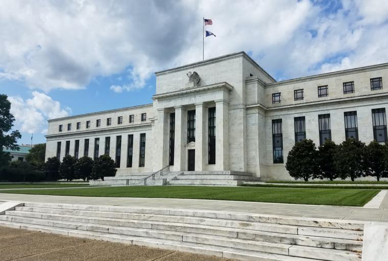 Facebook, China Llama ligera bajo Fed: el gobernador cita monedas estables que influyen en la investigación del dólar digital