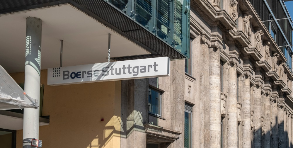 "La aplicación Bison Trading de Boerse Stuttgart agregará Bitcoin Cash y lanzará la versión de escritorio ""width ="" 1000 ""height ="" 505 ""srcset ="" https://news.bitcoin.com/ wp-content / uploads / 2020/02 / shutterstock_1193345716.jpg 1000w, https://news.bitcoin.com/wp-content/uploads/2020/02/shutterstock_1193345716-300x152.jpg 300w, https: //news.bitcoin. com / wp-content / uploads / 2020/02 / shutterstock_1193345716-768x388.jpg 768w, https://news.bitcoin.com/wp-content/uploads/2020/02/shutterstock_1193345716-696x351.jpg 696w, https: // news.bitcoin.com/wp-content/uploads/2020/02/shutterstock_1193345716-832x420.jpg 832w ""tamaños ="" (ancho máximo: 1000px) 100vw, 1000px"
