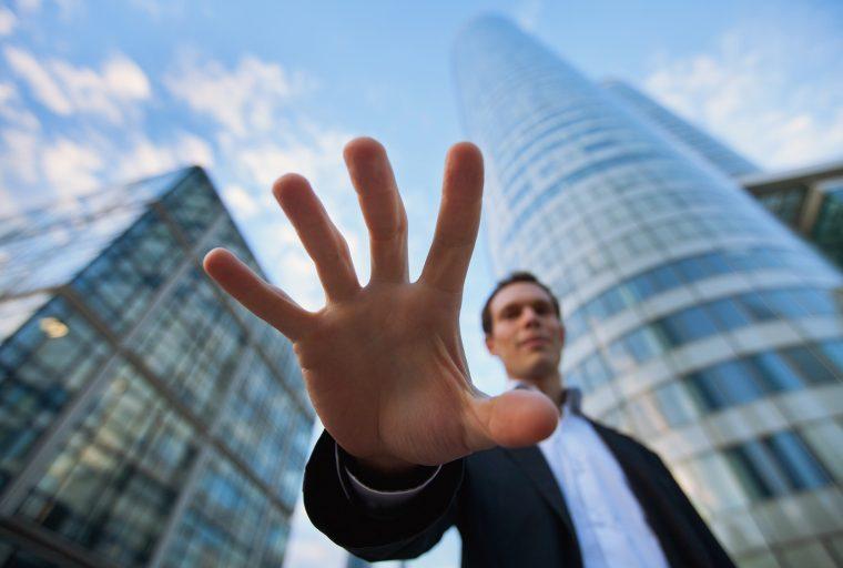 El miedo se apodera de los comerciantes del mercado de valores, mientras que los inversores en criptomonedas se vuelven codiciosos