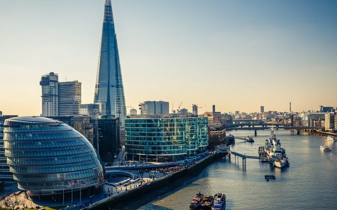 Reino Unido Crypto Startups para pagar una tarifa de £ 2,000 con descuento para el registro, FCA revisa los cargos de solicitud
