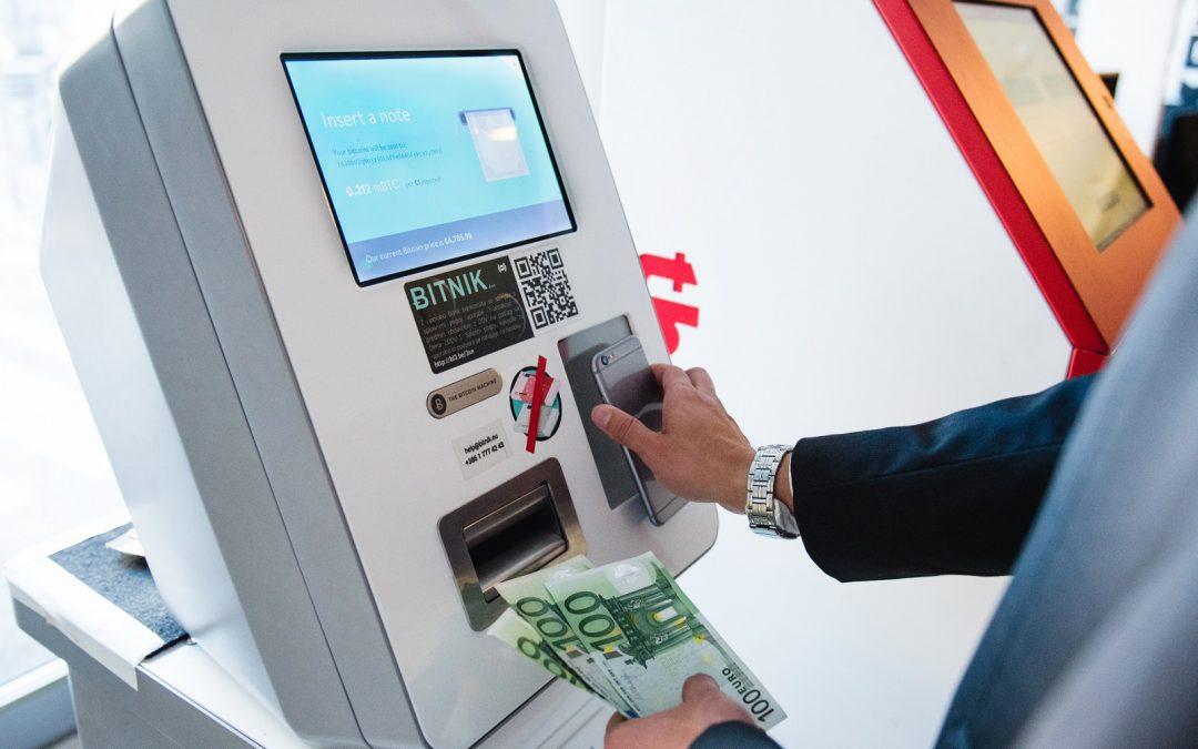 Los cajeros automáticos de Bitcoin crecen en número llegando a casi 7,000 en operación en todo el mundo