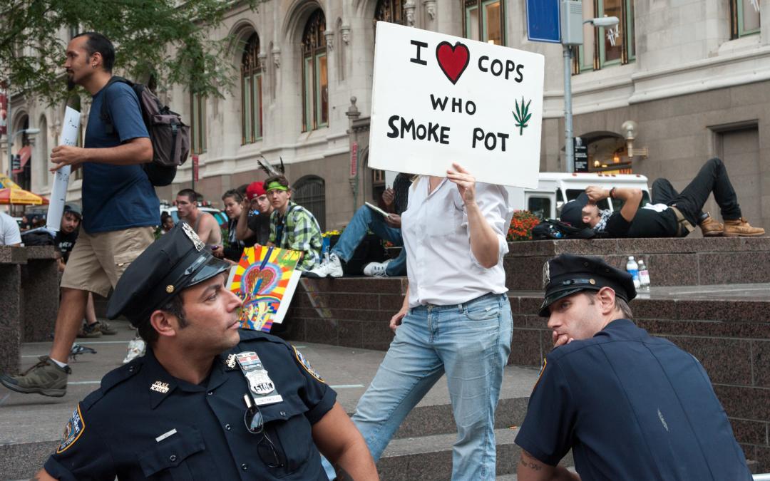 Vendedores de Darknet trabajan horas extras mientras la policía detiene arrestos por drogas