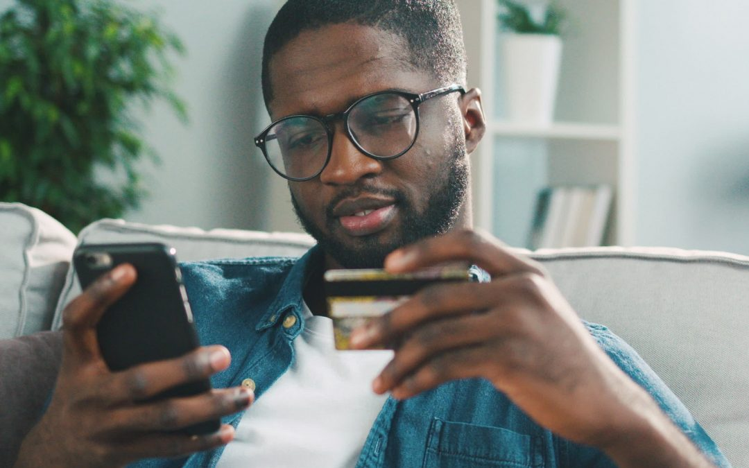 3 tarjetas de débito que los nigerianos pueden usar para gastar criptomonedas en tiendas y en línea