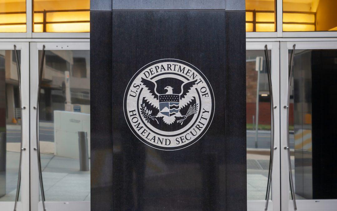 El memorando de coronavirus del DHS dice que los 'administradores de blockchain' involucrados en la distribución de alimentos son trabajadores esenciales de infraestructura crítica