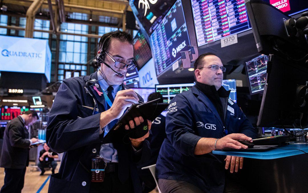 NYSE está siendo criticado por no cerrar su piso de negociación a medida que se propaga el coronavirus