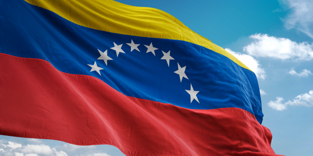 "Recompensa de $ 15 millones a Maduro: Estados Unidos acusa al presidente venezolano con narco-terrorismo, corrupción , Narcotráfico ""width ="" 1000 ""height ="" 500 ""srcset ="" https://blackswanfinances.com/wp-content/uploads/2020/03/venezuela-flag.jpg 1000w, https: // noticias. bitcoin.com/wp-content/uploads/2019/03/venezuela-flag-300x150.jpg 300w, https://news.bitcoin.com/wp-content/uploads/2019/03/venezuela-flag-768x384.jpg 768w, https://news.bitcoin.com/wp-content/uploads/2019/03/venezuela-flag-696x348.jpg 696w, https://news.bitcoin.com/wp-content/uploads/2019/03 /venezuela-flag-840x420.jpg 840w ""tamaños ="" (ancho máximo: 1000px) 100vw, 1000px"