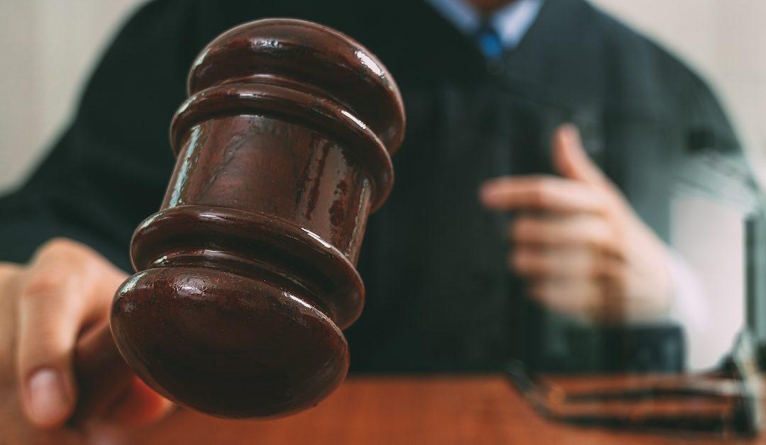 La demanda de OneCoin podría ser desestimada por fallas del demandante, advierte el juez