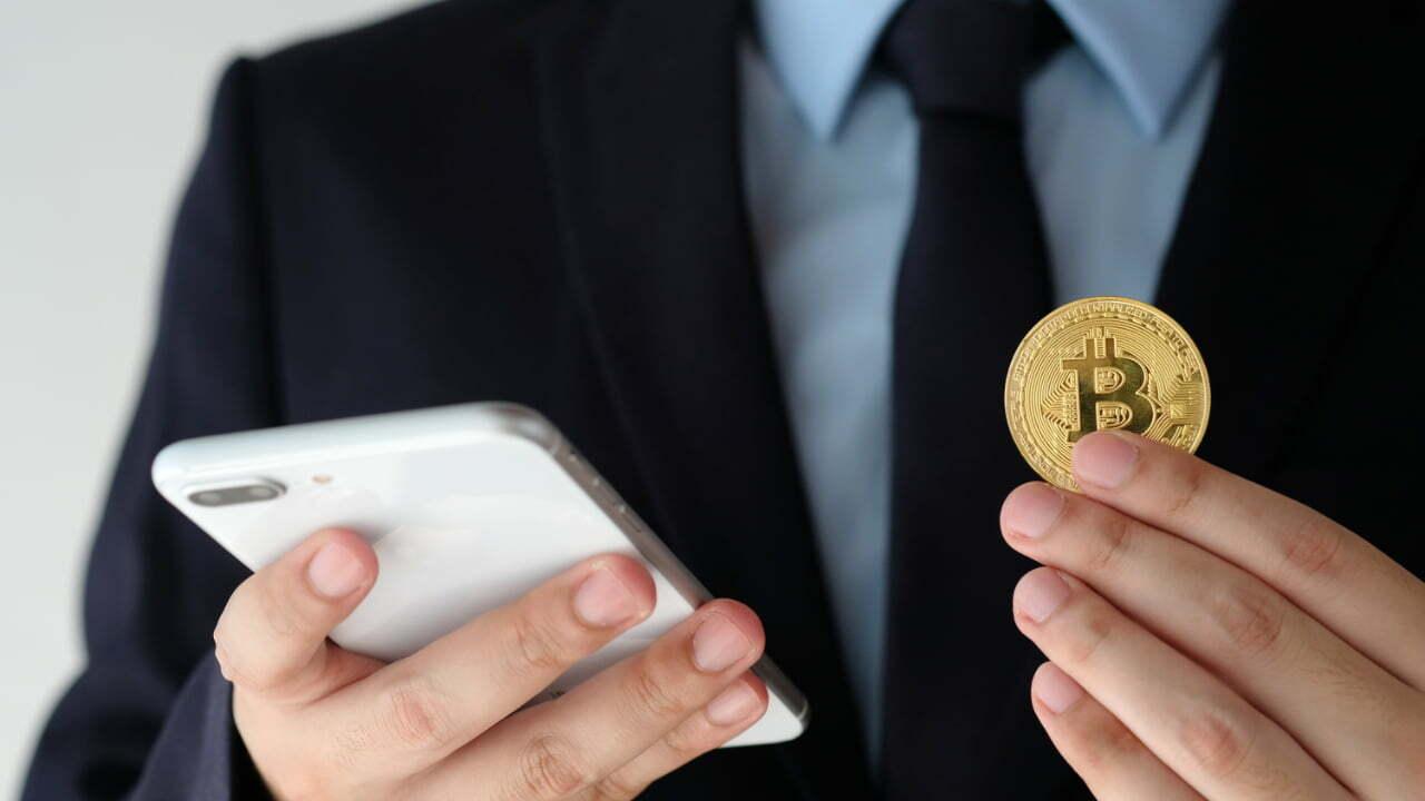 La aplicación líder de microinversión regulada por Australia agrega la opción de Bitcoin para inversores