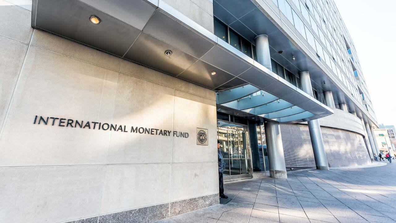 El FMI predice que los bancos lucharán al menos 5 años más después de que la economía mundial se recupere