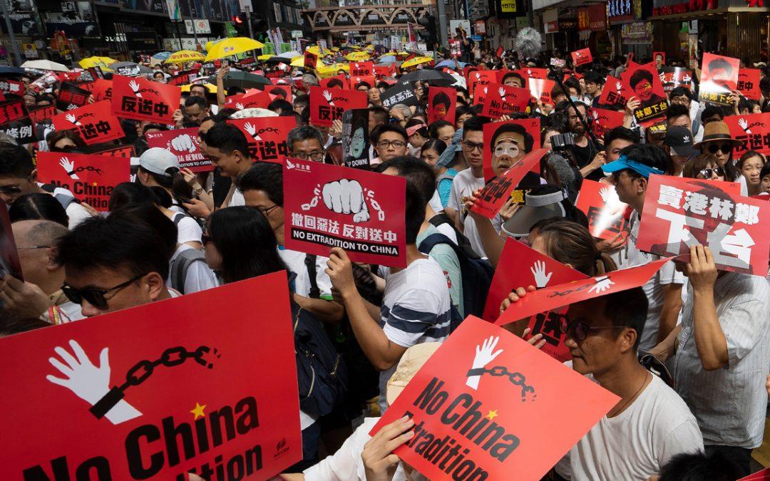 El gobierno de China alimenta la economía de Stablecoin: los manifestantes de Hong Kong, los residentes de Singapur y China continental huyen de los controles de capital