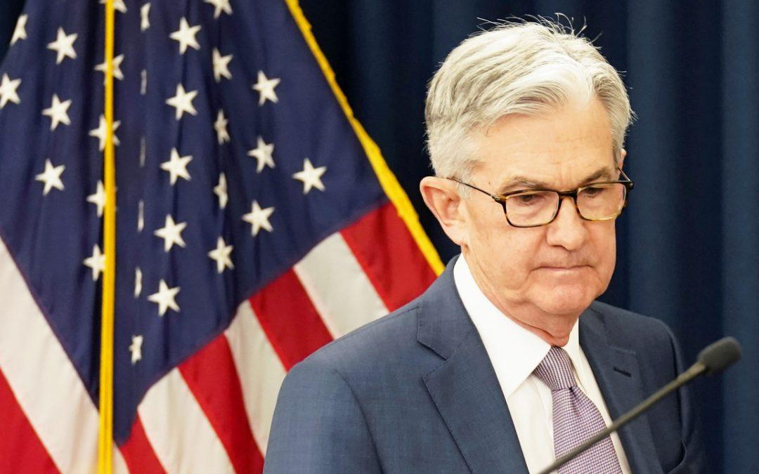 """El presidente de la Fed, Powell, advierte sobre un presupuesto """"insostenible"""" mientras la deuda nacional de EE. UU. Cruza los 26 billones de dólares"""