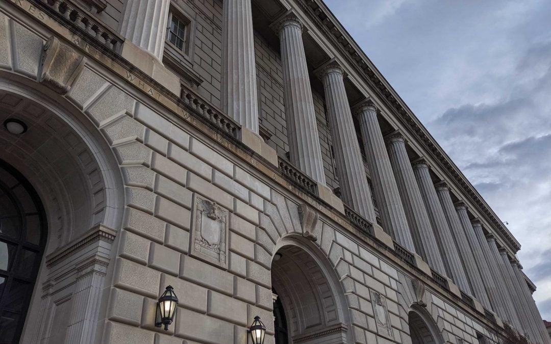 El Servicio de Impuestos Internos de EE. UU. Firma un acuerdo con Coinbase para el software de análisis blockchain