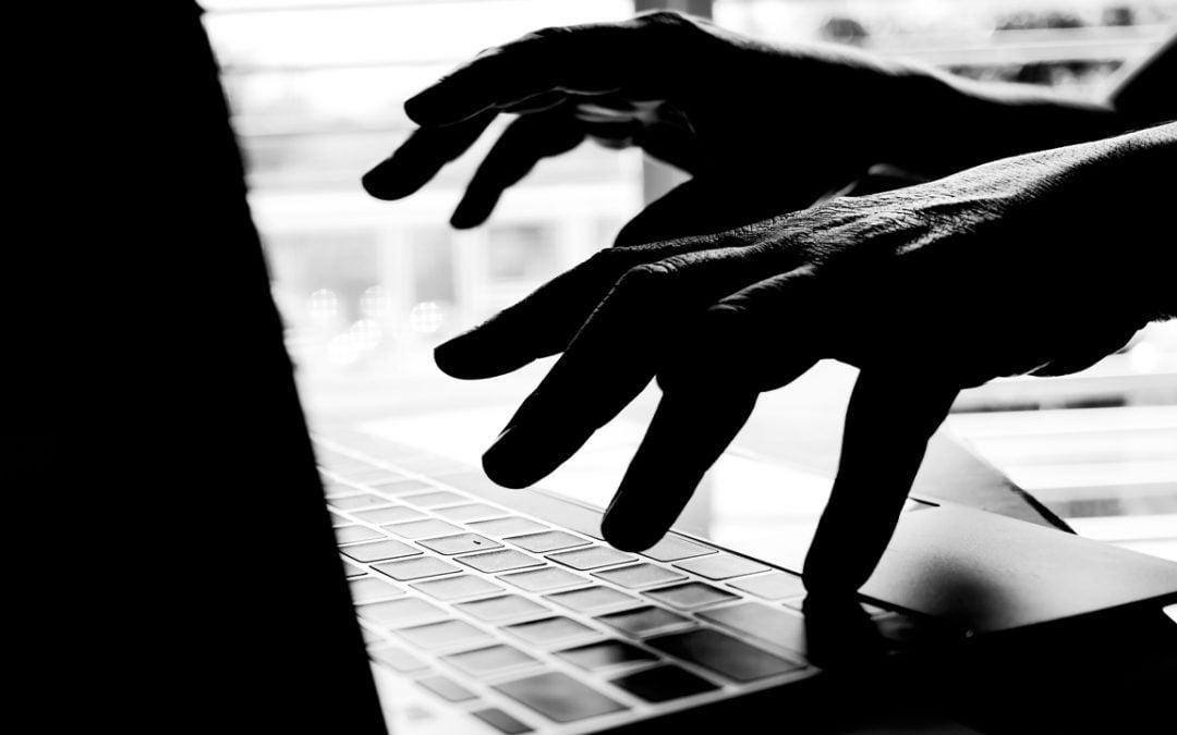 Youtube ayuda a los estafadores a robar $ 130,000 en Bitcoin de Investors Daily: informe
